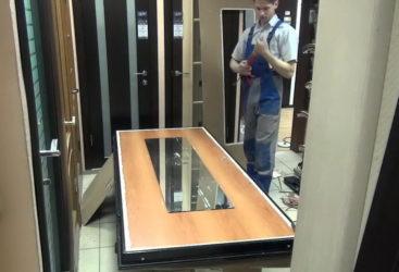 Как крепить зеркало на дверь шкафа?