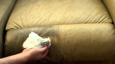 Как вывести пятна со светлого дивана?
