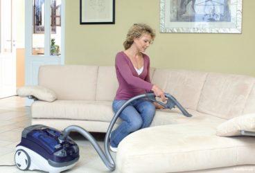 Как быстро постирать диван?